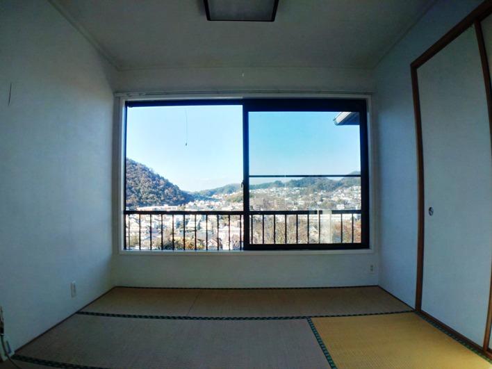 LDKにつながる和室からは北側の眺望も、、、こっちもきれいです