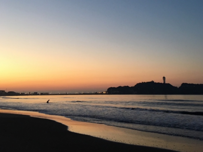鵠沼海岸までは歩いても10分ほどです。