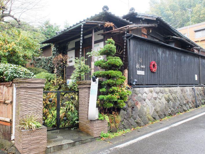 北鎌駅界隈は山間の集落といった様相で、静かなロケーション。