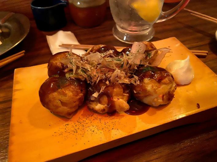 ツーランがつくるたこ焼きはトロットロで美味。