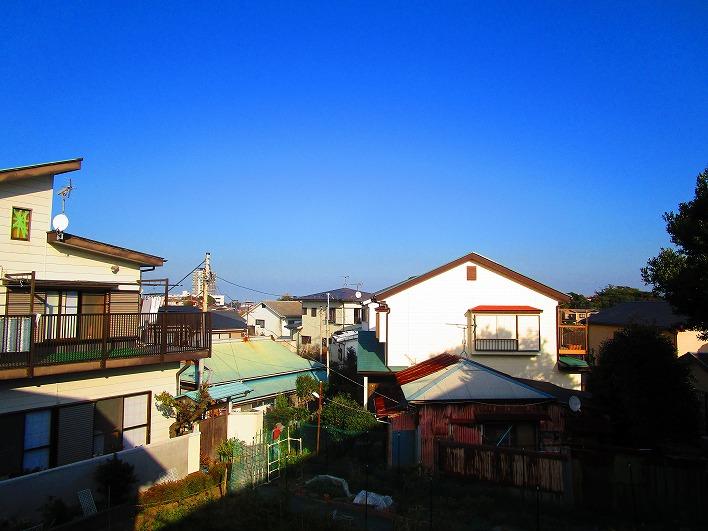 バルコニーからの景色。開放案ありあり。高台の特典ですね。