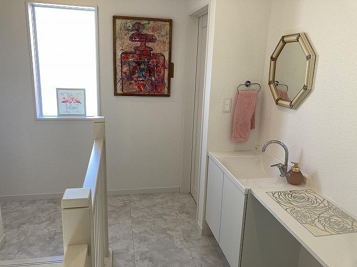 2階にはこんなに可愛い洗面台。