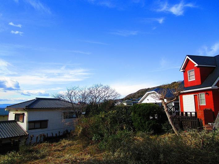 この方角に富士山が見えます。