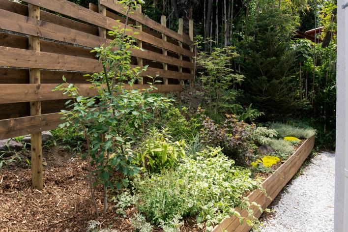 桜山植物園さんが手がけたお庭の外構。たまらなく素敵。