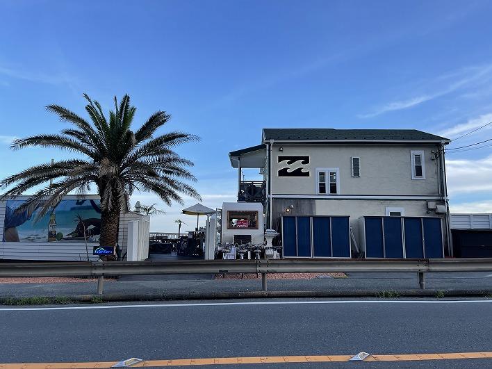 逗子海岸の絶景が楽しめるカフェ「Surfers」