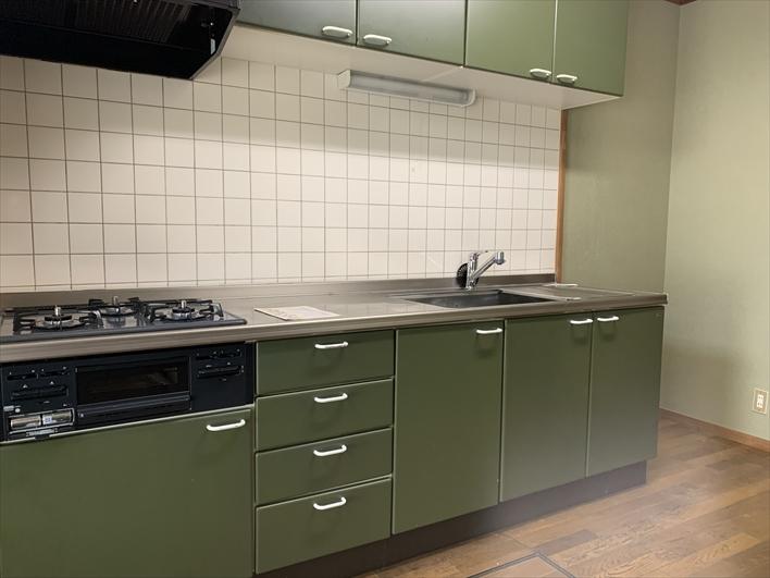 キッチンも広々で料理が捗ります。
