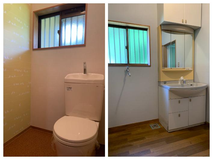 壁紙が可愛い1階トイレ/洗面所の床も木目で統一感