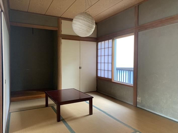 リビング隣には和室。襖で仕切れるので客間としても良さそう。
