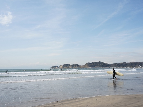 ▲U家の住んでいた賃貸から歩いて10分弱の材木座海岸